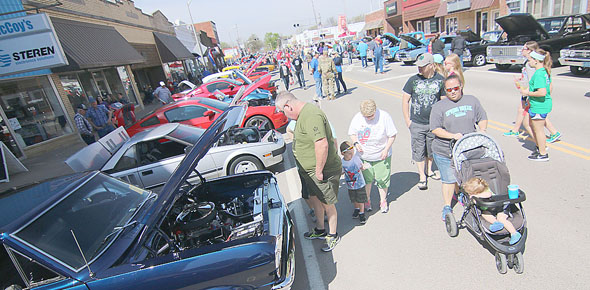 Cruisn Cookn Car Show Draws Vehicles Osage County Herald - Kansas city car show calendar
